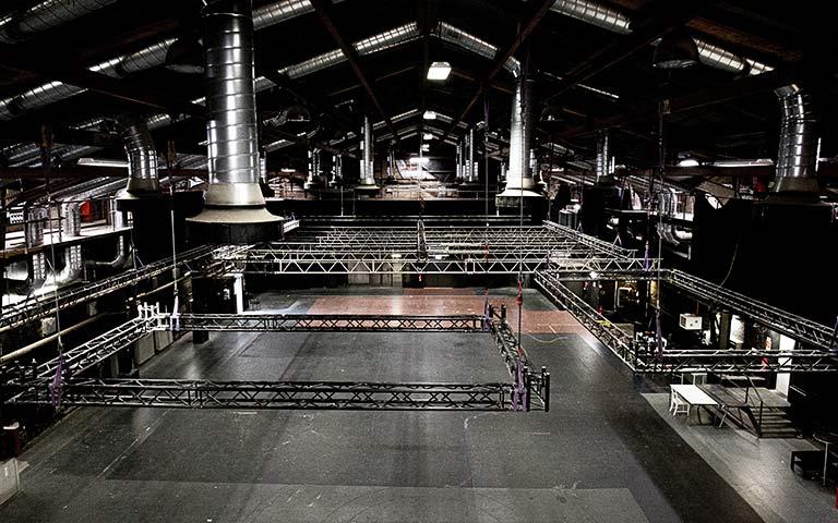 Die riesige Studio-Halle