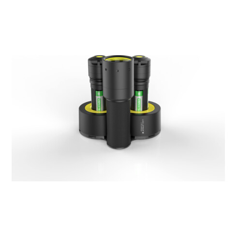 Ledlenser i7DR Profi-Taschenlampe inklusive Double Charger, wiederaufladbar