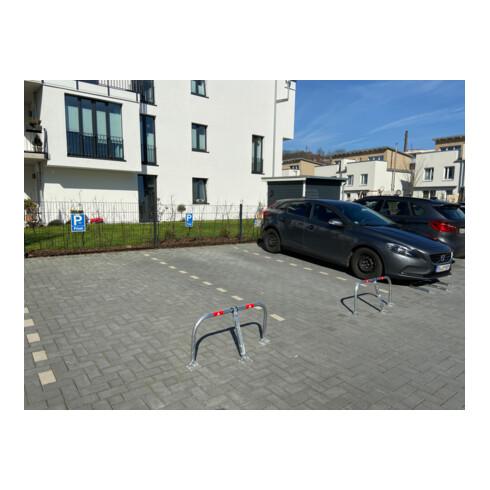 Schake Parkplatzsperrbügel 472V, umklappbar, Höhe ca. 450 mm, Breite ca. 850mm + Messingschloß, verz. + roten Reflexstreifen incl. Befestigungsmaterial